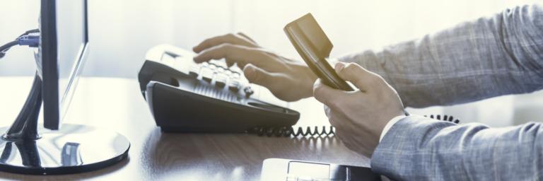 Sangoma Employee Dialing Using Deskphone Softphone
